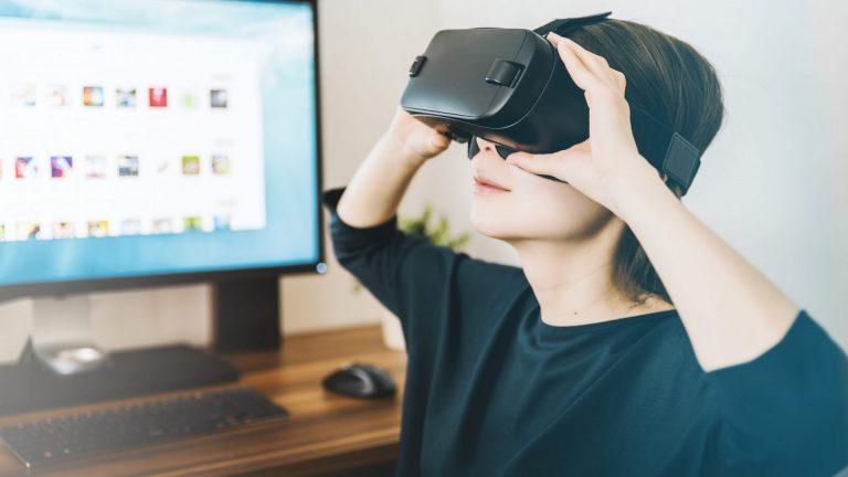 VRで工場見学