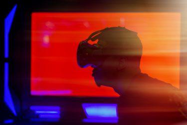 鑑賞から体感へ-VRと水族館の融合-